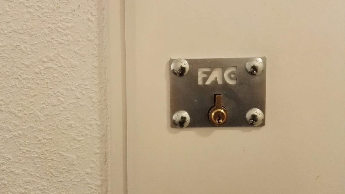 Conoce el cerrojo Fac 50-R/80 para trastero
